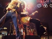 Led Zeppelin da a conocer versiones en vivo