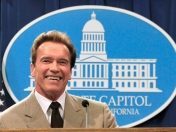 Waiting The Expendables 2: Schwarzenegger