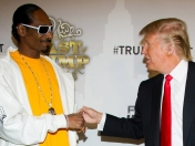 Trolleo de Snoop dogg a Donald trump ...Elegante