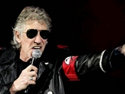 Roger Waters pide a Caetano Veloso cancelar show