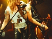 Guns N Roses - 34 Fotos - Reckless Road - El Libro