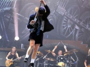 AC/DC - Rock and Roll Train (Live 2008)