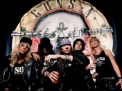 Guns n Roses Behind the Music Online!!!