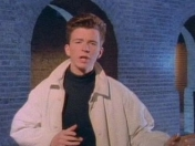 Youtube restringe acceso al video de Rick Astley