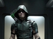 Stephen Amell y el deseo de fans por Green Arrow con barba
